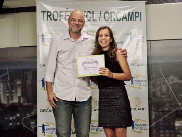 Nicole e Ricardo D'Angelo na premiação de 2018 no Café Filosófico CPFL (Acervo pessoal)
